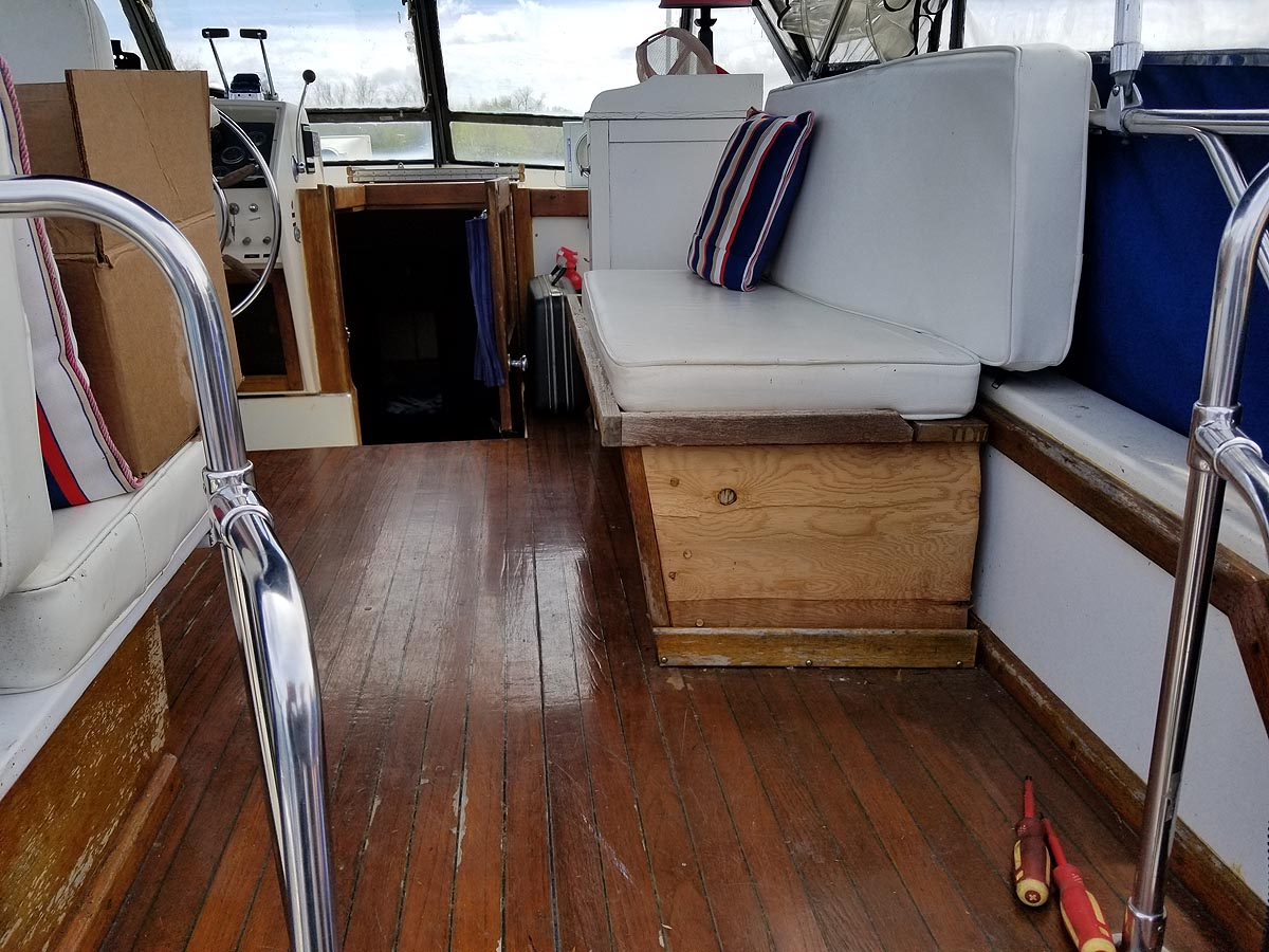 1974 TROJAN 36 FOOT TRI CABIN FOR SALE IN THE LINDSAY AREA NORTHEAST OF TORONTO, ONTARIO, CANADA SIMILAR TO THE 1975 AND 1976 MODELS.