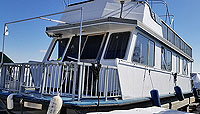 1984 THREEBUOYS 43 FOOT HOUSEBOAT FOR SALE IN THE TRENTON AREA EAST OF TORONTO, ONTARIO, CANADA SIMILAR TO THE 1985, 1986, 1987 AND 1988 MODELS.