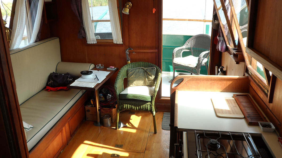 1987 HOBBY TUGBOAT FOR SALE IN THE LINDSAY AREA NORTHEAST OF TORONTO