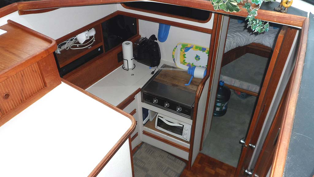 1989 Carver 3207 Aft Cabin Motor Yacht For Sale In The Lindsay Area Northeast Of Toronto