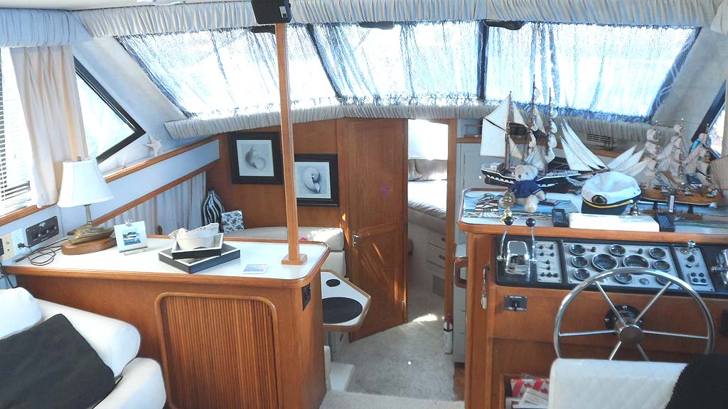 1990 Carver 3608 Motor Yacht For Sale In The Peterborough Area Northeast Of Toronto Ontario