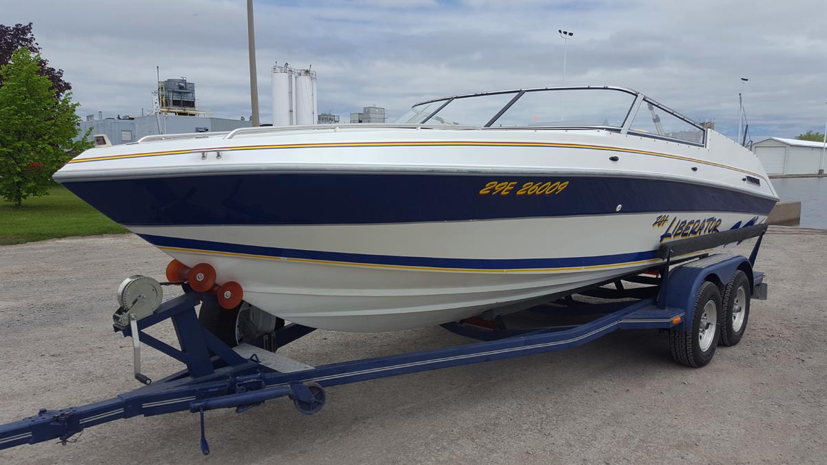 1991 Four Winns Liberator 201 With Factory Trailer For