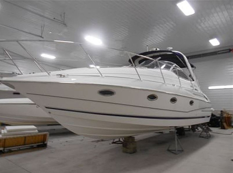 2004 DORAL BOATS 33 ELEGANTE FOR SALE IN THE LINDSAY AREA NORTHEAST OF TORONTO, ONTARIO, CANADA.