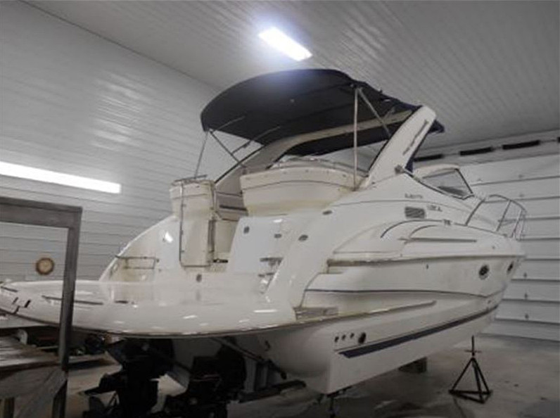 2004 DORAL BOATS 33 ELEGANTE SE USED POWER BOAT FOR SALE IN THE HAMILTON AREA OF LAKE ONTARIO WEST OF TORONTO, ONTARIO, CANADA