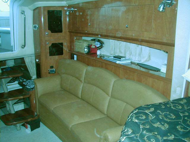 2007 Four Winns 318 Vista for sale in the Lindsay area northeast of Toronto, Ontario, Canada