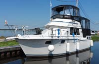 1989 Carver 3207 Aft Cabin Motor Yacht sold by a marine boat and yacht broker in the Pickering, Whitby, Bowmanville, Peterborough, Belleville, Trenton and Brighton areas of  Ontario, Canada.