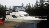 1996 Silverton 372 for sale in the Trenton area east of Toronto, Ontario, Canada by Ontario boat and yacht brokers.