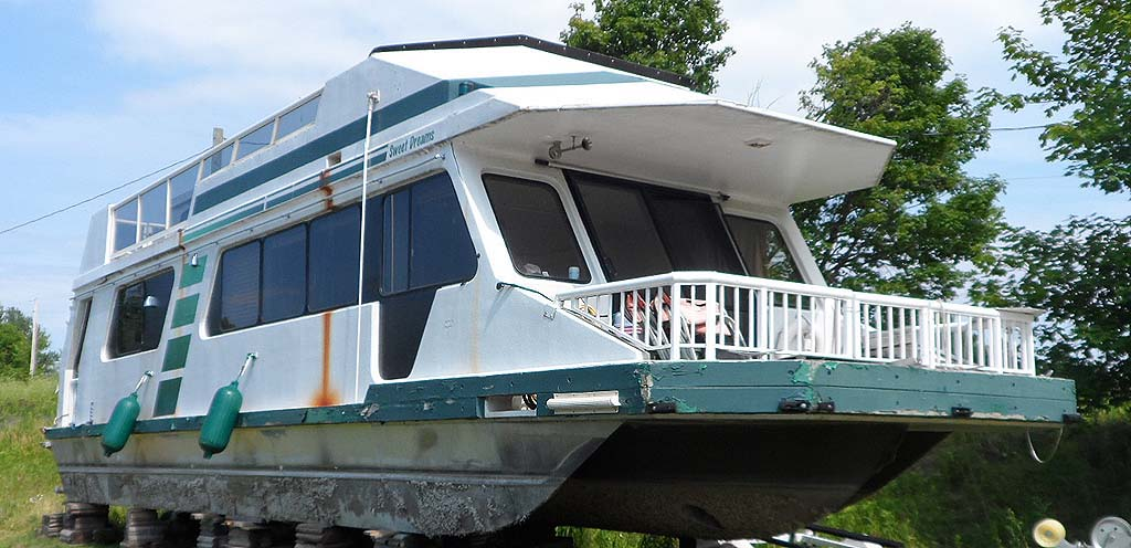 43 Foot Three Buoys Houseboat For Sale In The Lindsay Area Northeast